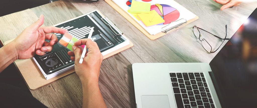 Poder contar com profissionais de qualidade é uma das principais vantagens de contratar uma agência de marketing digital.